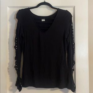 NWOT Cut Out Sleeve Detail Top